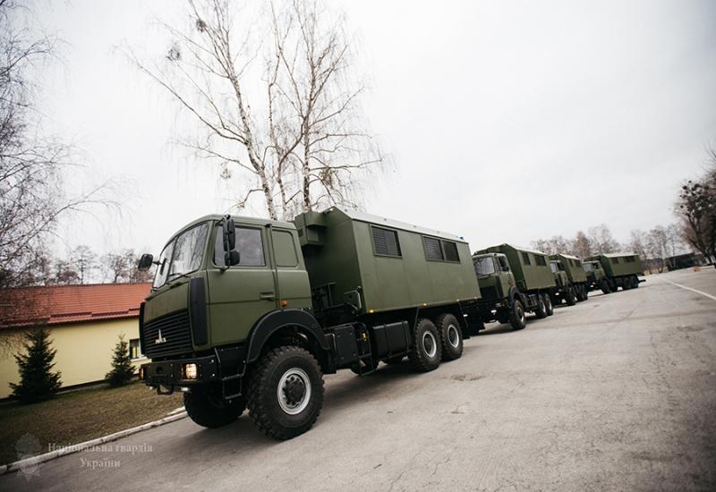 4 спеціальні автомобілі на базі шасі МАЗ-6317