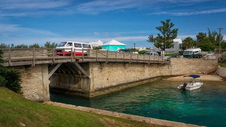 Somerset Bridge, el puente levadizo más pequeño del mundo | Bermudas