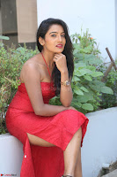 Mamatha sizzles in red Gown at Katrina Karina Madhyalo Kamal Haasan movie Launch event 014.JPG
