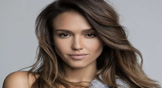 Celebs Info: Jessica Alba Biography - Age, Height, Husband, Family & More
