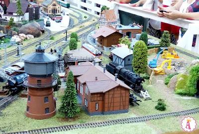 Интересная выставка миниатюрного моделирования в Николаевском областном краеведческом музее