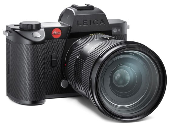Объектив Leica Vario-Elmarit-SL 24-70mm f/2.8 ASPH с камерой Leica