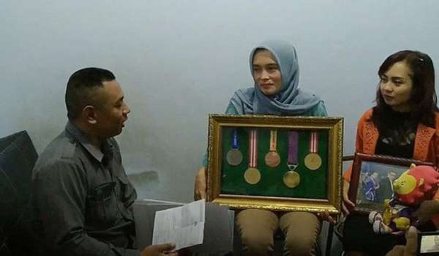 Nữ sinh Indonesia bị cấm dự SEA Games 30 vì...mất trinh