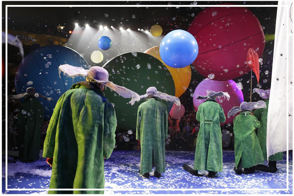 Slava's Snowshow Cirque