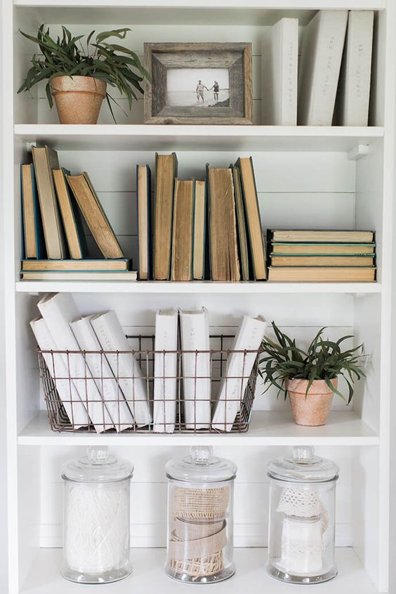 styling your bookshelves