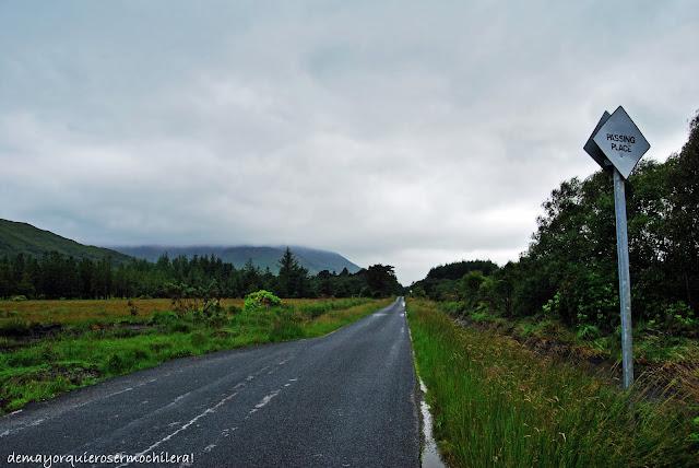 Passing Place en carretera de Escocia
