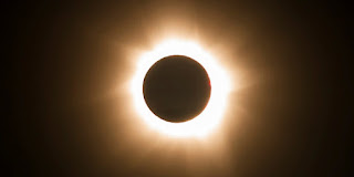 Gambar gerhana matahari total