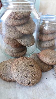 Petits sa blés au sésame noir;délicieux,goût intense et corsé,comme du café!