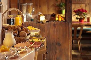 Sarapan buffet staycation