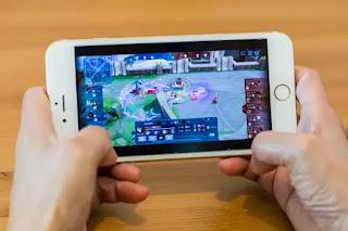 Quarentena faz subir o número de downloads de games no celular