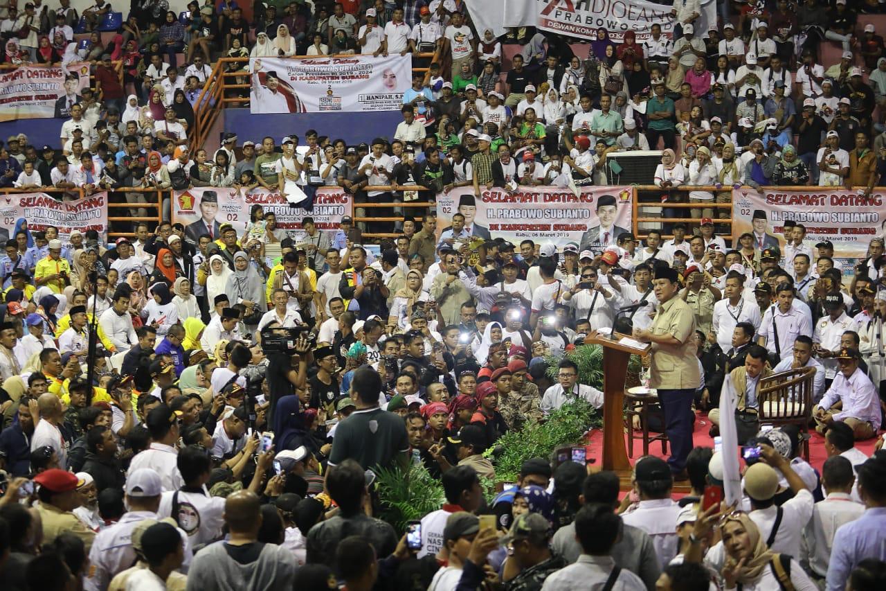 Meski Batal Terbang karena Cuaca, Begini Sambutan Masyarakat Subang kepada Prabowo Subianto