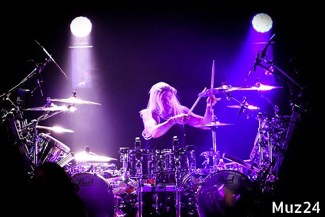 Фотографии с концерта Evanescence в Крокус Сити Холле