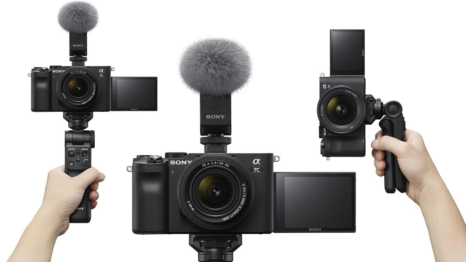 Sony A7C с использованием внешнего направленного микрофона в режиме вертикальной съемки