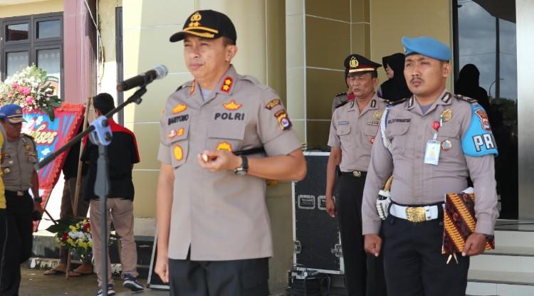 Jajaran Polres Serang Laksanakan Upacara Penutupan Latja Siswa Bintara Polri dan Polwan Ta. 2019-2020