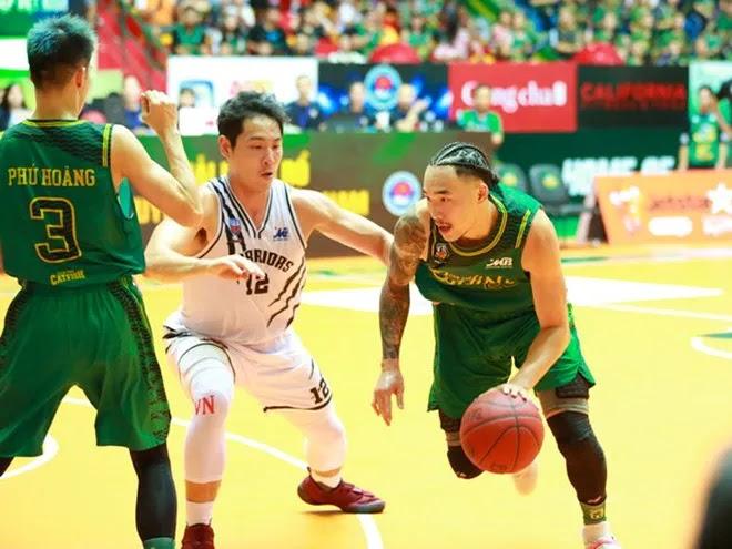 Phòng ngự trong bóng rổ cần kỹ thuật khéo léo