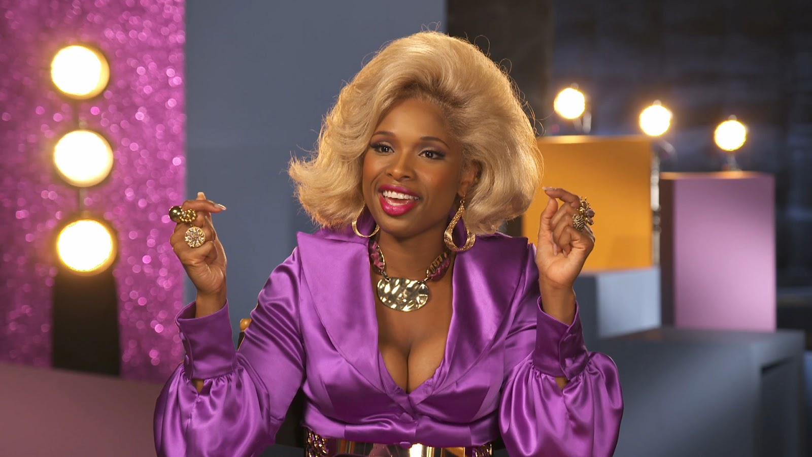 Jennifer Hudson interpreta a Motormouth Maybelle en Hairspray Live!
