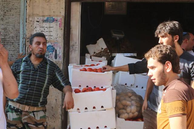 pasar di timur aleppo sayur dan buah 4