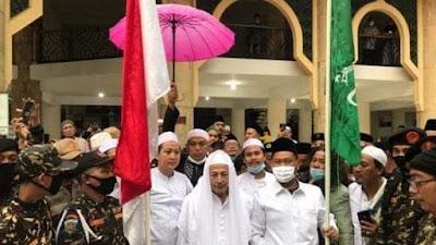 Hadiri Tasyakuran di Pendopo Gresik, Habib Luthfi Titip Pesan Buat Bupati dan Wakilnya