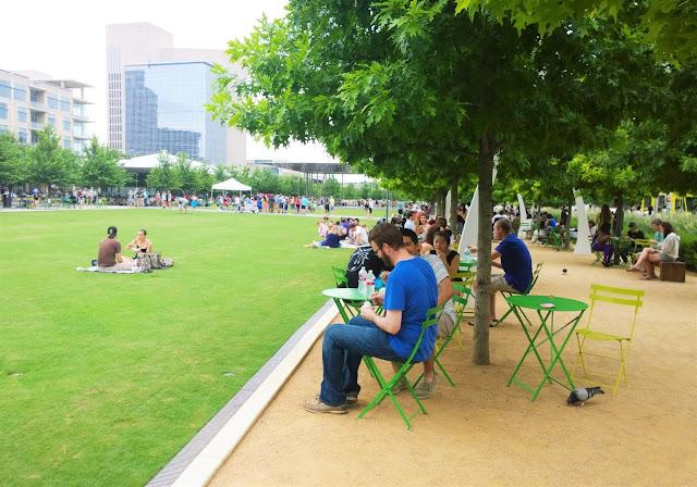 Travel Guide Dallas Texas Klyde Warren Park
