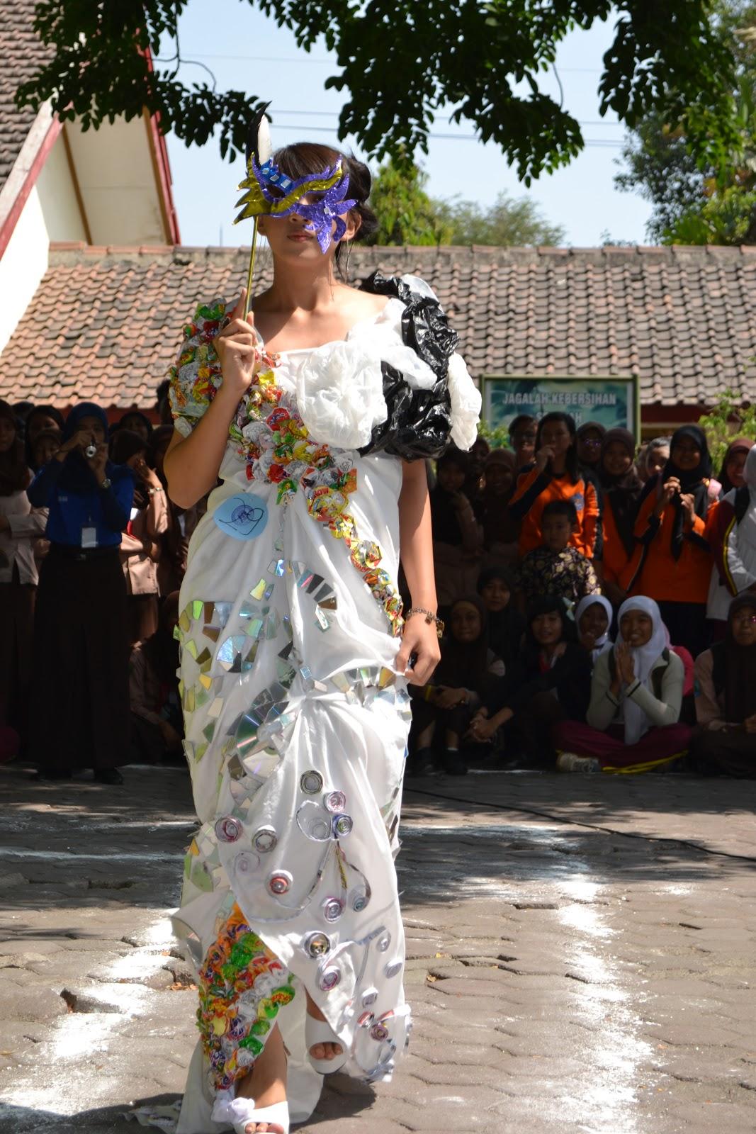 Tiang Puri Desain Fashion 3r Sebagai Teknologi Tepat Guna Veronika 039f42fbe6