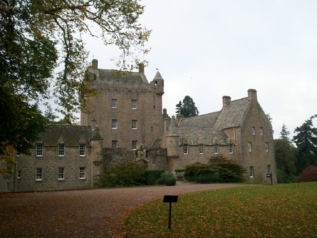 History Undressed: Castle of the Week: Cawdor Castle