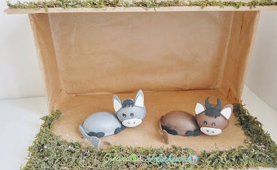 Fofuchos-Mula-y-Buey-Pesebre-reciclado-como-hacer-un-portal-de-belén-nacimiento-o-pesebre-de-Fofuchos-creandoyfofucheando