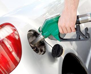 Respiro para el diésel: parece que la subida del impuesto a este carburante no llegará en 2021