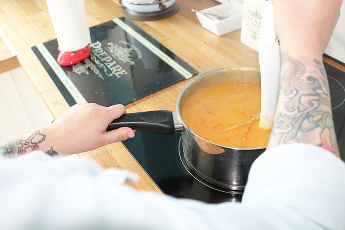 Recipe for homemade spiced curried butternut squash soup