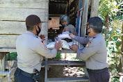 Alhamdulillah, Nenek Rosi yang Tinggal di Gubuk dapat Bantuan dari Polres Bone