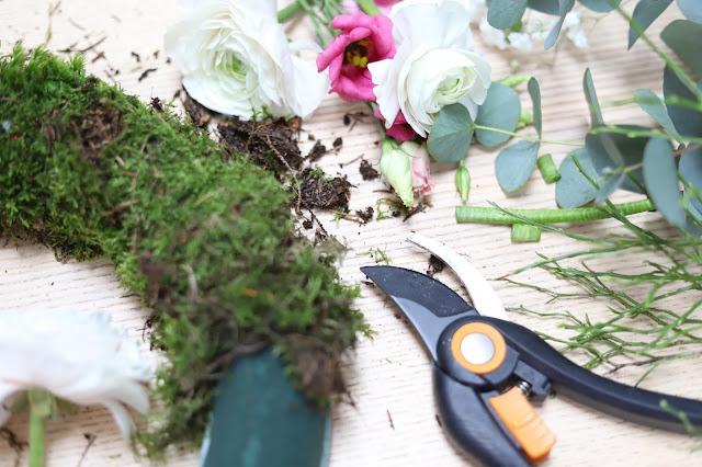 Výroba květinových věnců DIY