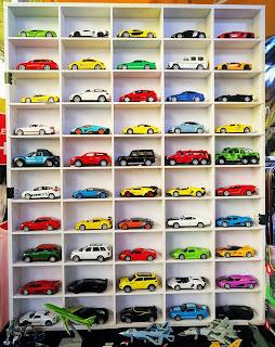 Kệ trưng bày xe Hotwheels