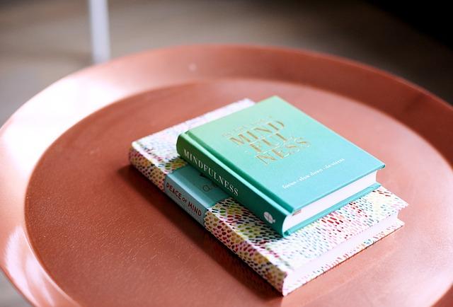 pilih-ebook-atau-buku-cetak