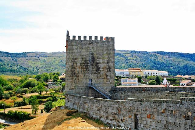 Torre do Relógio do Castelo de Linhares da Beira