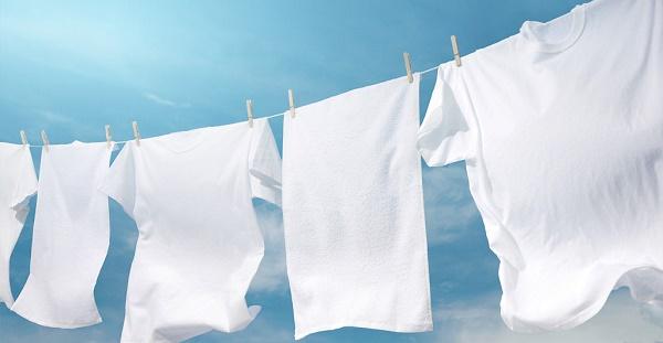 Cuci Pakaian Putih Agar Tidak Kusam