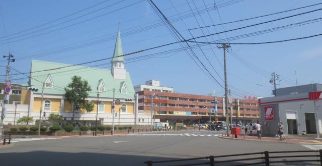 Kushiro - Straßenkreuzung mit Kirche