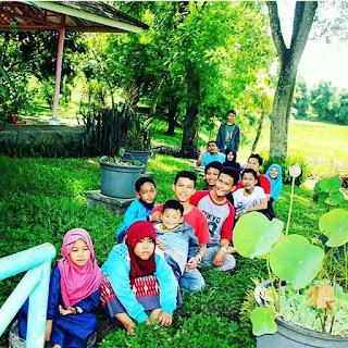 dian nafi n family di taman buah mekarsari