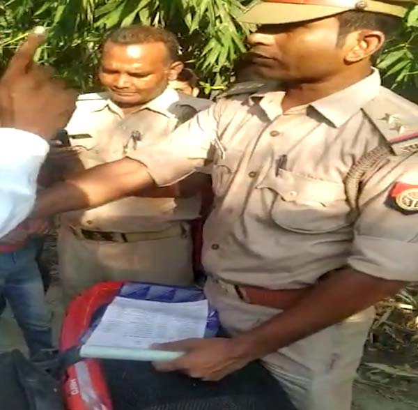 Police Inspector Fines Himself For Not Wearing A Helmet, News, Police, Natives, Vehicles, Humor, Video, National