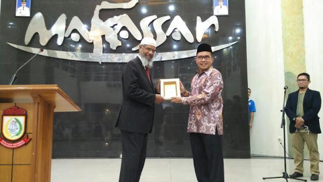 Walikota Makassar Sambut Kedatangan Dr Zakir Naik
