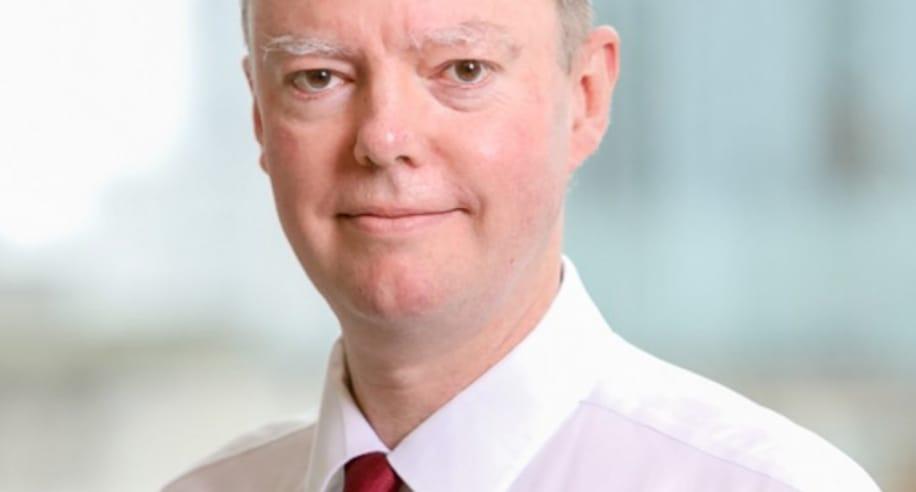 كبير أطباء بريطانيا يعلن: الطفرة الجديدة من كورونا تنتشر بسرعة كبيرة