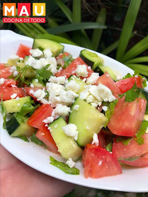 mau cocina de todo ensalada griega pepino tomate queso feta