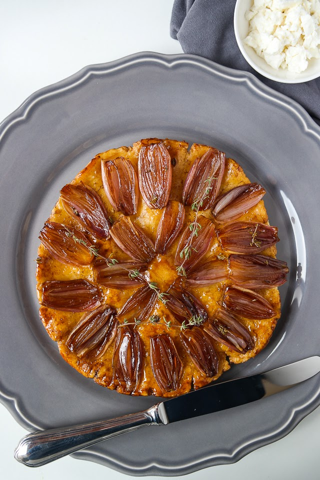 sia s soulfood foodblog tarte tatin mit schalotten. Black Bedroom Furniture Sets. Home Design Ideas