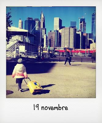 Bambina piccola in viaggio a New York,