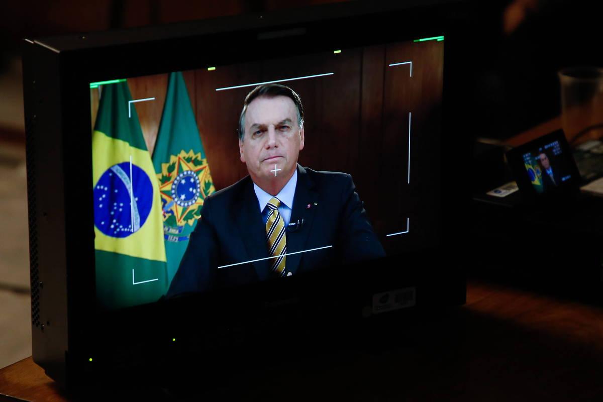 Em discurso na TV nesta 4ª, Bolsonaro mente sobre pavimentação da BR-163