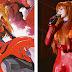 Política de Taiwan hace campaña electoral con cosplay de Asuka, de Evangelion ¿Le darías tu voto?