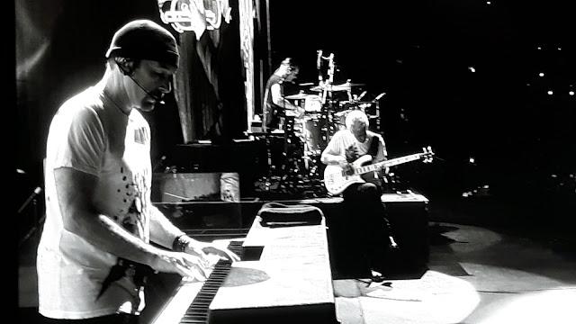 The Edge live Barcelona 2017