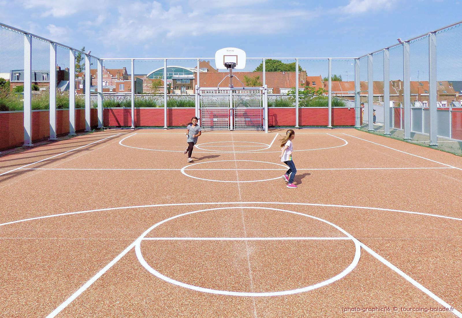 École de Gaulle, Tourcoing - Terrain de Basket