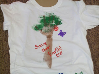 http://littlepriorities.blogspot.com/2011/04/earth-day-shirts-day-2.html