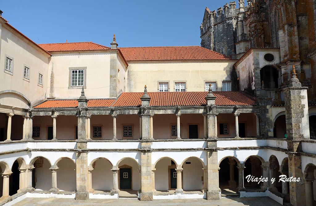 Claustro del Convento de Tomar, Portugal