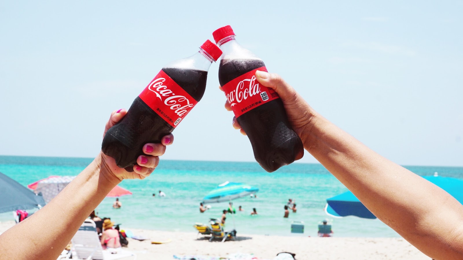 coca-cola-cheers-summer-beach