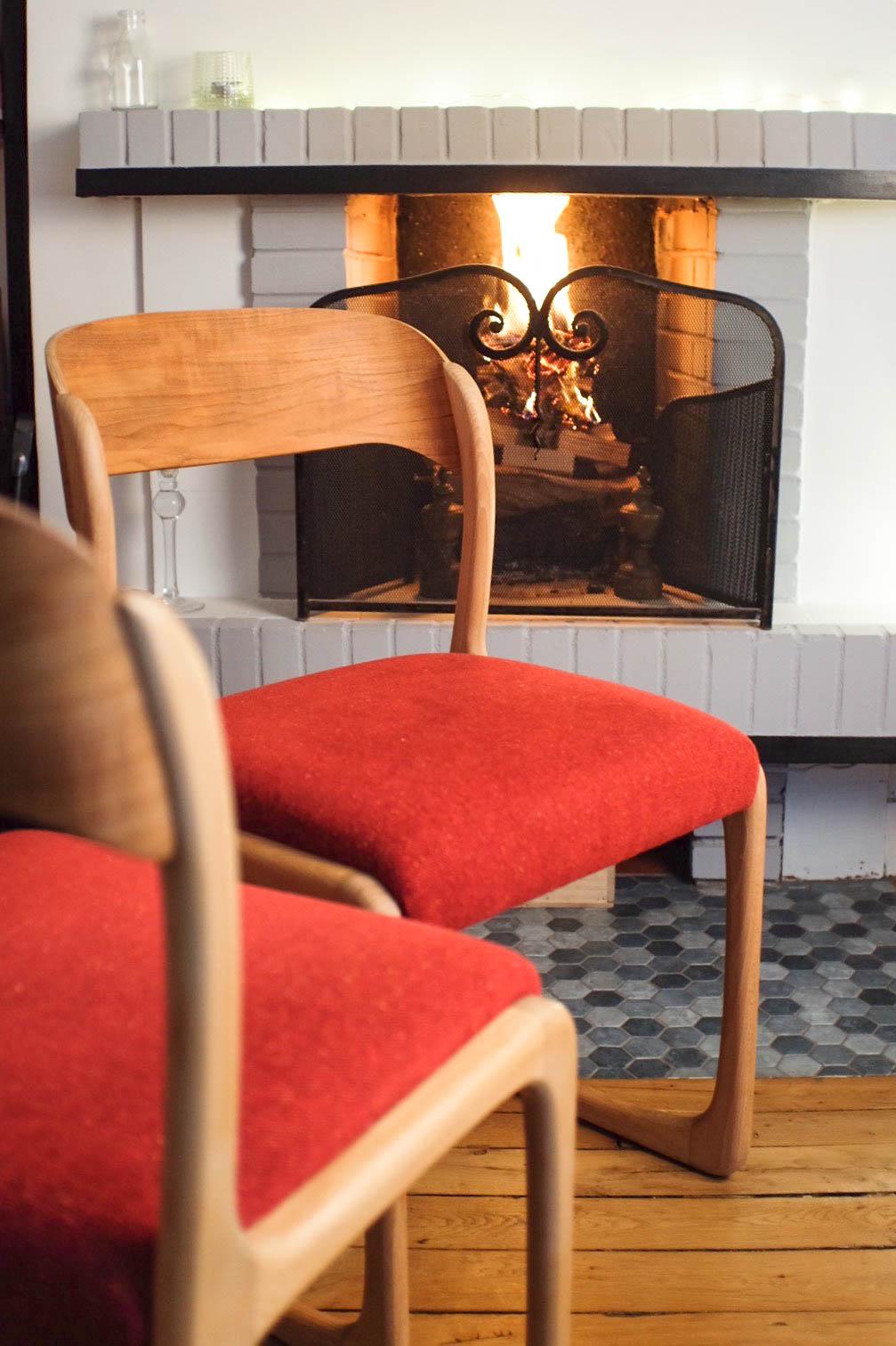 atelier compas chaises baumann en situation. Black Bedroom Furniture Sets. Home Design Ideas